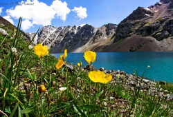 37-горное-озеро-в-Киргизии